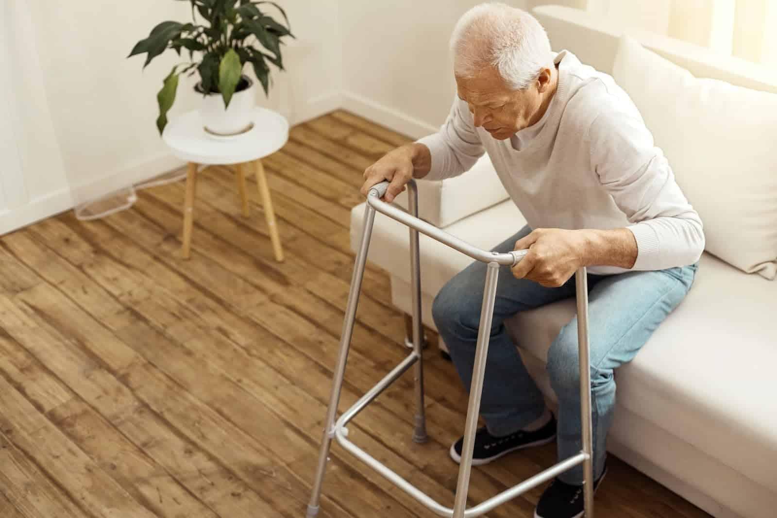 elderlymanwalker
